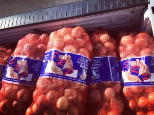 Snake River Produce donates to local food banks